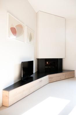 Opere in muratura e legno autocostruite. Opere in ferro di Sandro Cavazzoli, fabbro, San Benedetto Po (MN).
